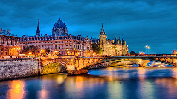 Air And Hotel Packages To Paris